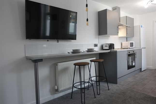 4 bed shared accommodation to rent in Esher Street, Middlesbrough TS1