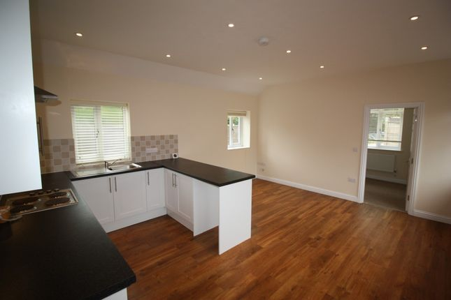 1 bed flat to rent in Knowle Lane, Cranleigh, Surrey