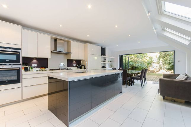 Thumbnail Property for sale in Lysia Street, Fulham