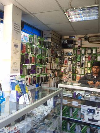 Retail premises to let in Ilford Lane, London
