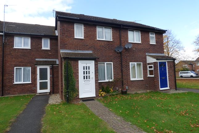 2 bed terraced house for sale in Peregrine Way, Grove