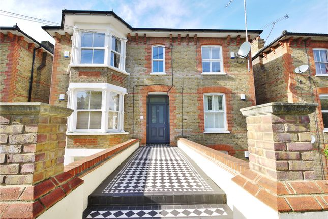 Thumbnail Flat for sale in Rose Valley, Brentwood, Essex
