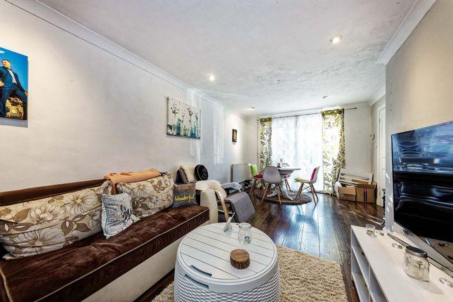 2 bed terraced house to rent in Longmoors, Priestwood