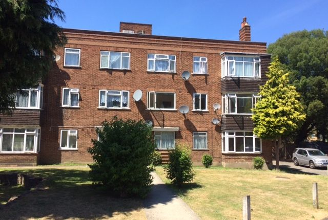 Thumbnail Flat for sale in Melbourne Court, Anerley