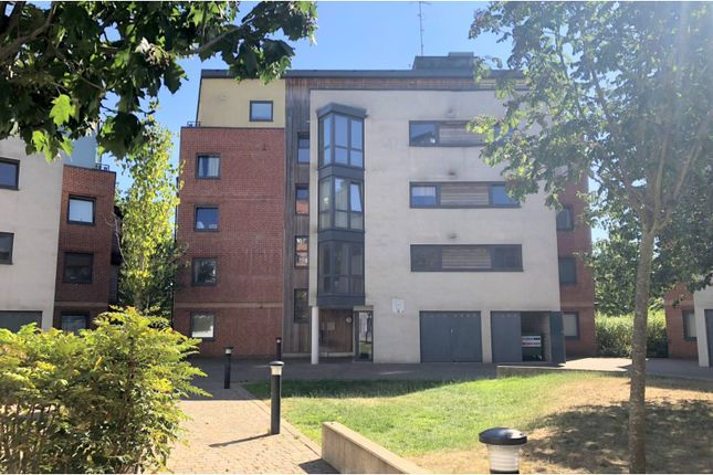 Thumbnail Flat for sale in Southwell Park Road, Camberley
