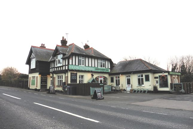 Thumbnail Pub/bar for sale in Sandwich Road, Kent