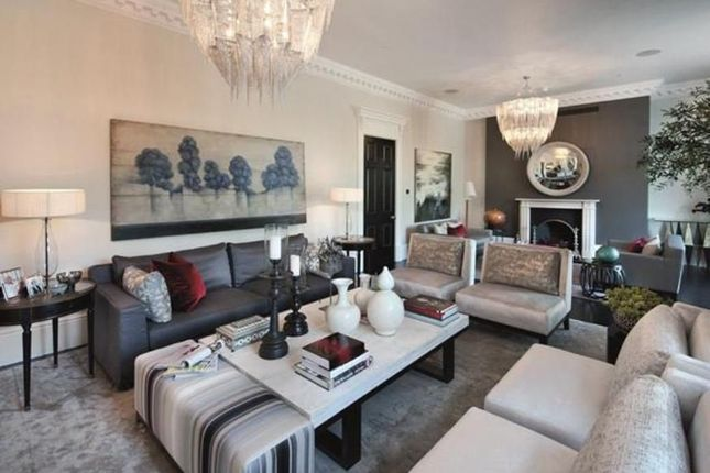 Thumbnail Maisonette to rent in Lowndes Square, Knightsbridge