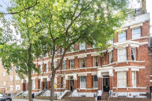 Flat to rent in Lakeside Road, London