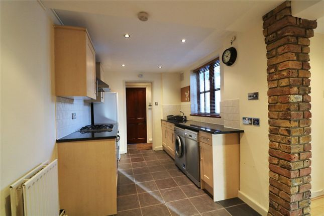 Thumbnail Maisonette to rent in Fifield Cottage, Forest Green Road, Fifield, Maidenhead