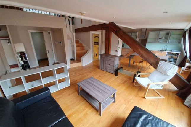 2 bed flat to rent in Brazil Street, Manchester M1