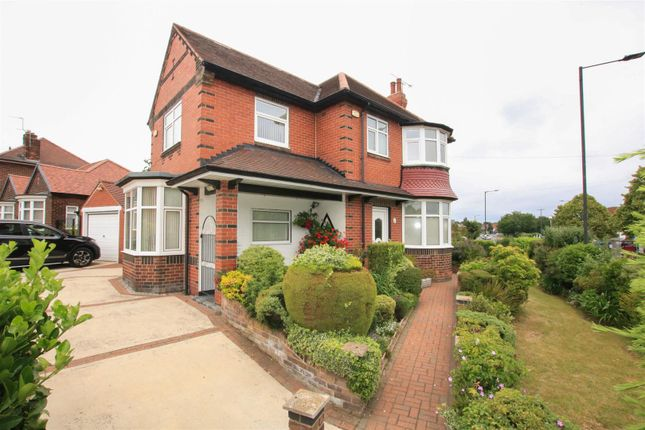 Thumbnail Detached house for sale in Armthorpe Road, Wheatley Hills, Doncaster