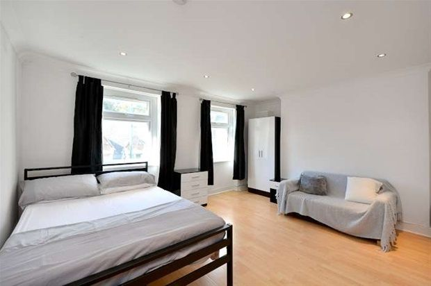 Thumbnail Property to rent in Brick Lane, London