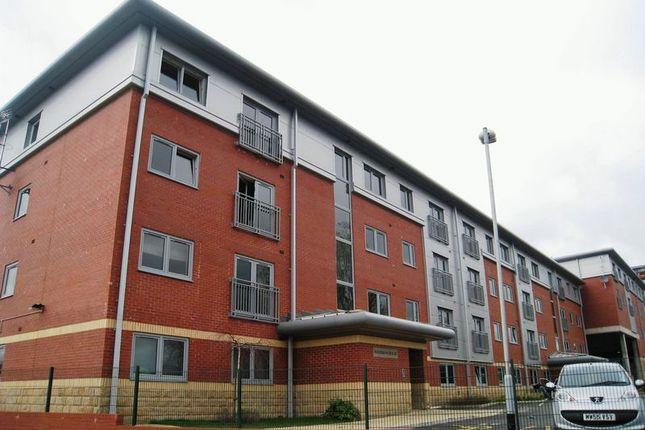 2 bed flat to rent in Mercer Street, Preston