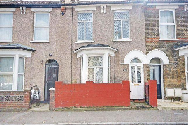 Thumbnail Terraced house for sale in Hassett Road, London