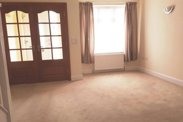 4 bed terraced house to rent in First Avenue, Dagenham