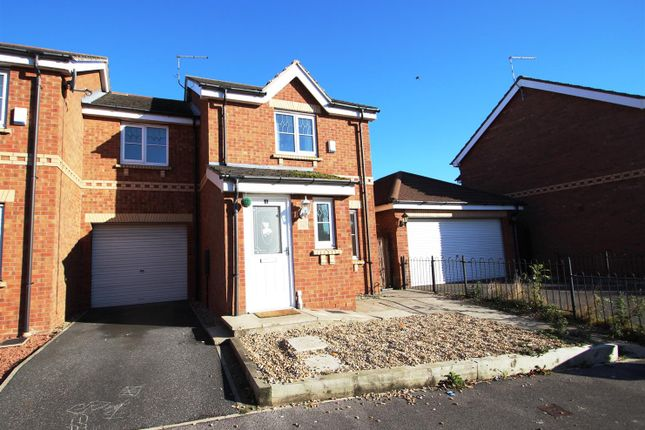 Thumbnail Semi-detached house to rent in Waseley Hill Way, Bransholme, Hull