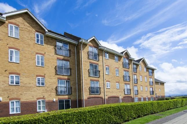 Flat for sale in Timber Court, Grays