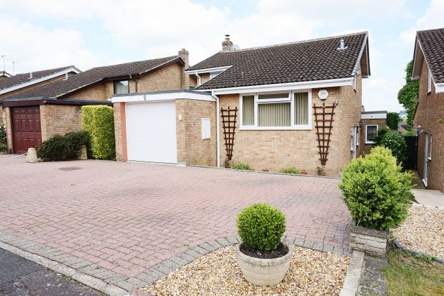 Thumbnail Detached house for sale in Helmsdale, Swindon