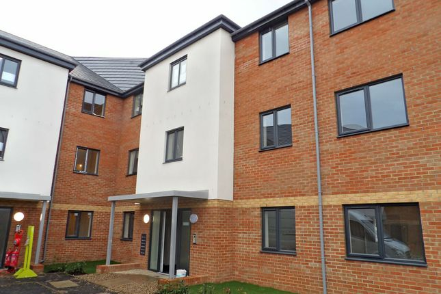 2 bed flat to rent in Lyons Way, South Shields