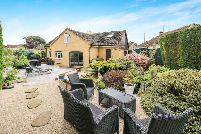 Thumbnail Detached bungalow for sale in Ludsden Grove, Thame