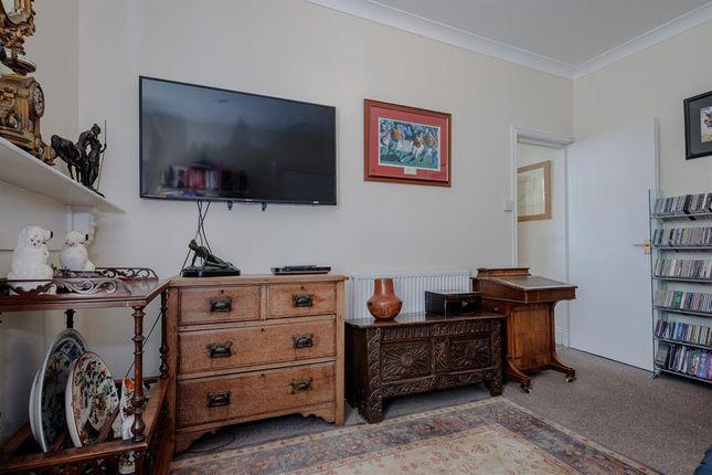 Lounge of 3 Stoneleigh, Temple Street, Llandrindod Wells LD1