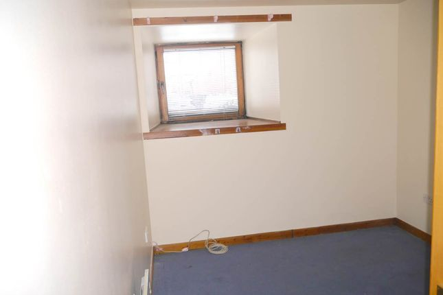 Bedroom of Caledonian Court, Eastwell Road, Lochee DD2