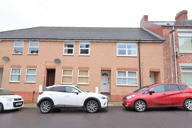 Thumbnail Flat to rent in Crowley Villas, Swalwell, Newcastle Upon Tyne