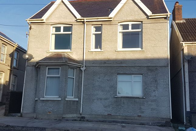 3 bed detached house to rent in Norton Road, Penygroes, Llanelli