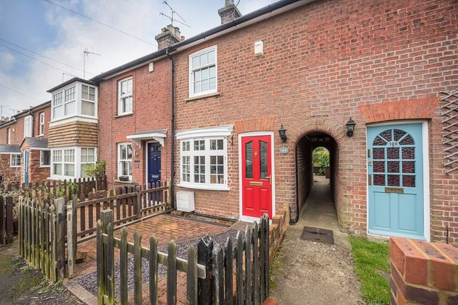 Thumbnail Terraced house to rent in Cravells Road, Harpenden