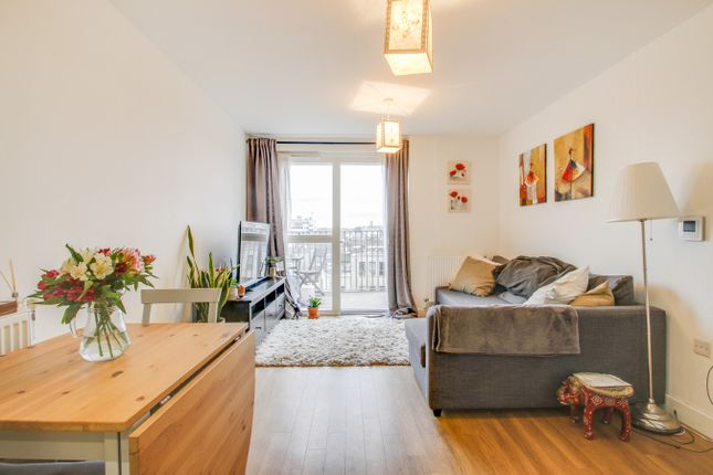 1 bed property to rent in Adenmore Road, London SE6