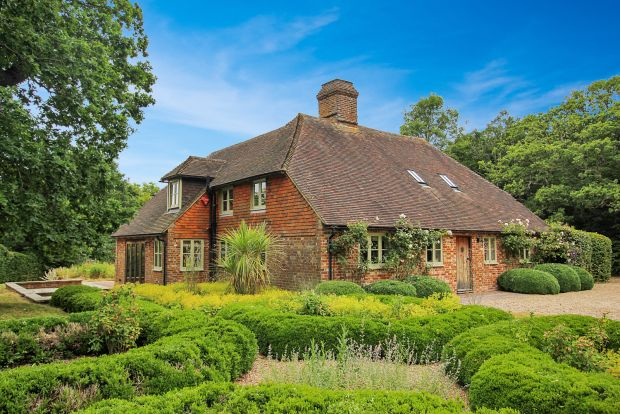 Thumbnail Detached house to rent in Tillingham Lane, Peasmarsh, Rye