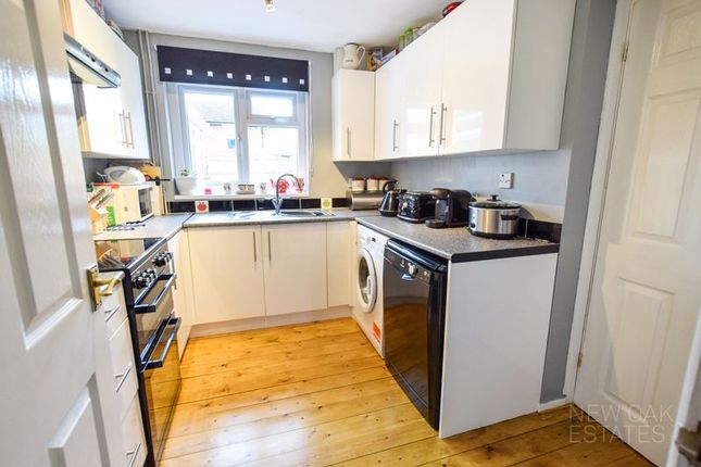 Kitchen of Chapman Lane, Grassmoor, Chesterfield S42