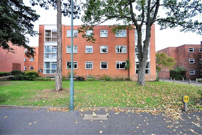 Thumbnail Flat for sale in Essenden Road, Belvedere