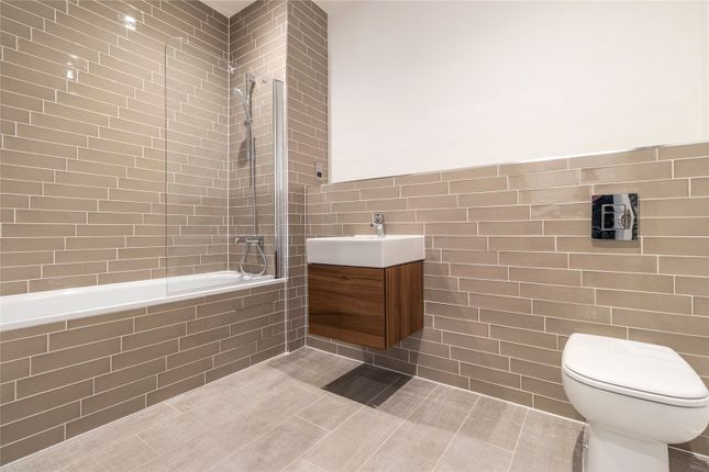 Bathroom of Princes Gate, Solihull, West Midlands B91