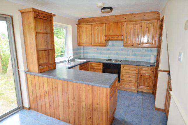 Thumbnail Town house to rent in Tennyson Way, Burnham, Slough