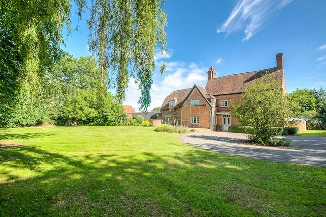 Thumbnail Farmhouse for sale in Whitefriars Drive, Cawston, Rugby
