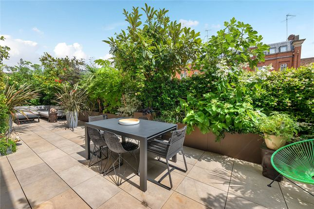 Thumbnail Flat for sale in Cheyne Terrace, Chelsea Manor Street, London