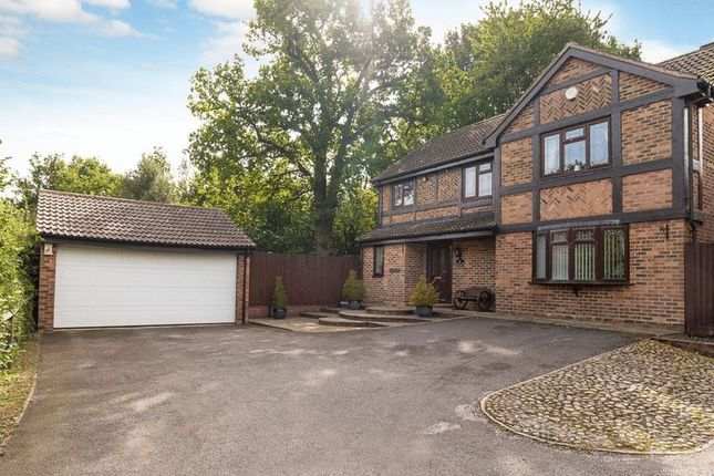 Thumbnail Detached house for sale in Ditton Green, Luton