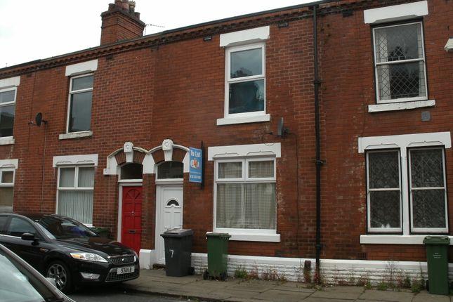 Thumbnail Terraced house to rent in Gresham Street, Denton