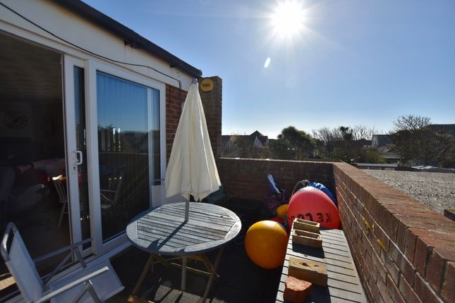 2 bed flat for sale in South Coast Road, Peacehaven BN10