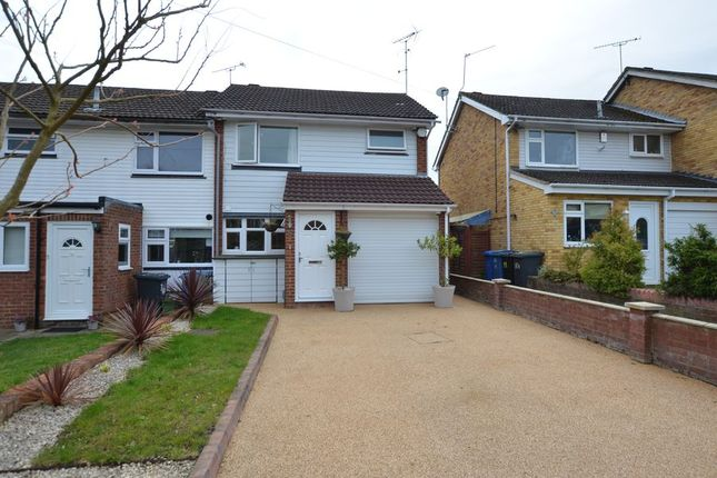 Thumbnail End terrace house to rent in Patten Avenue, Yateley