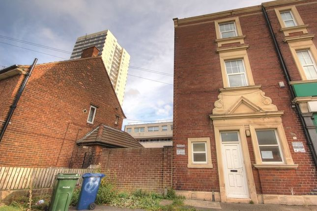 Thumbnail Flat to rent in Gosforth Street, Newcastle Upon Tyne