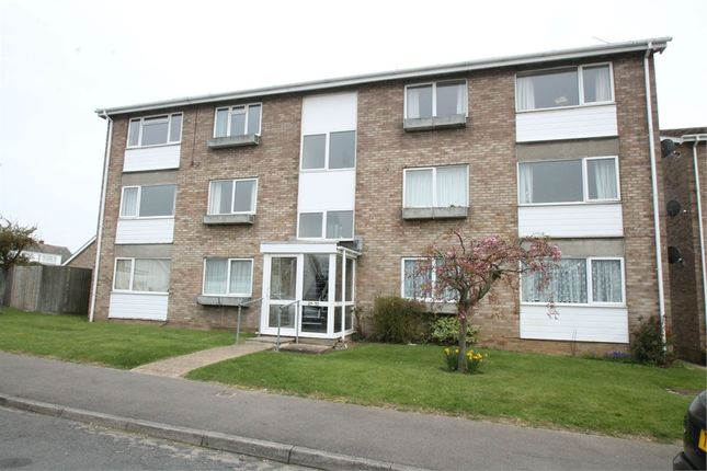 Thumbnail Flat for sale in Gatefield Close, Walton On The Naze