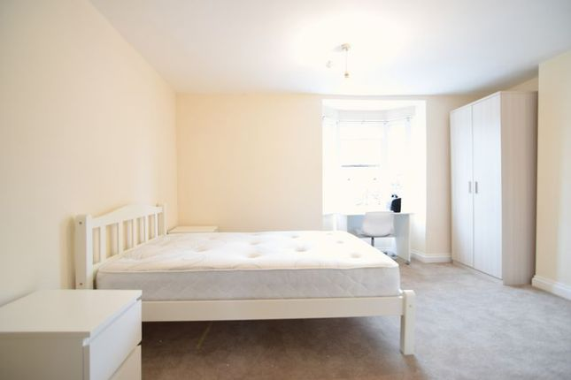 Thumbnail Flat to rent in York Place, Brighton