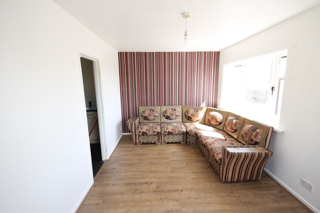 Thumbnail Flat to rent in Armley House, Kingsdale Court, Leeds