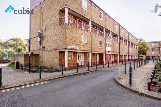 Thumbnail Maisonette to rent in Lovelinch Close, London