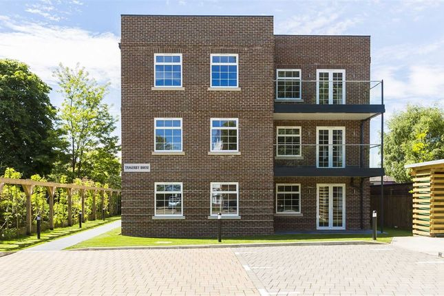 Thumbnail Flat for sale in Portsmouth Road, Surbiton