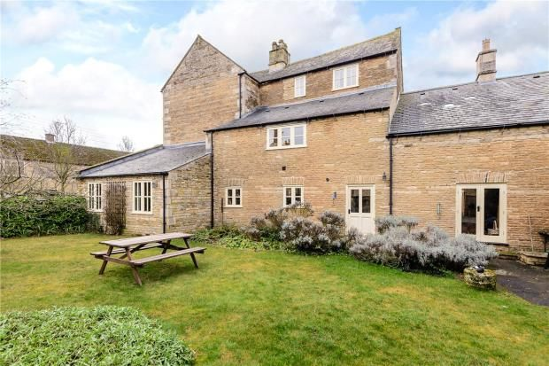 Thumbnail Semi-detached house for sale in 33A Towngate East, Market Deeping, Peterborough