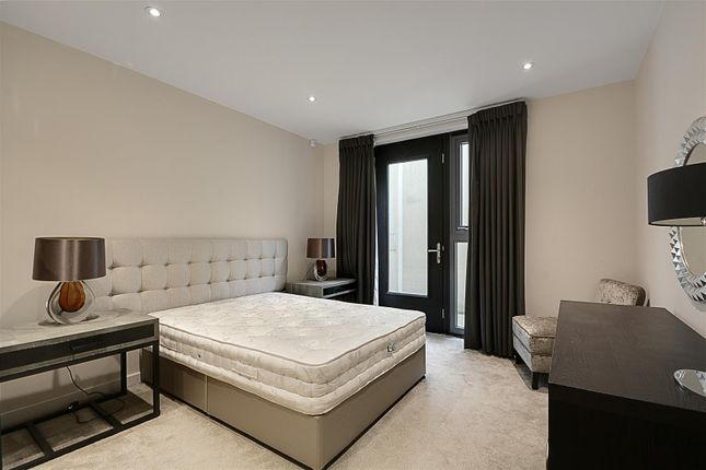 Bedroom of Gunnersbury Mews, Chiswick, London W4