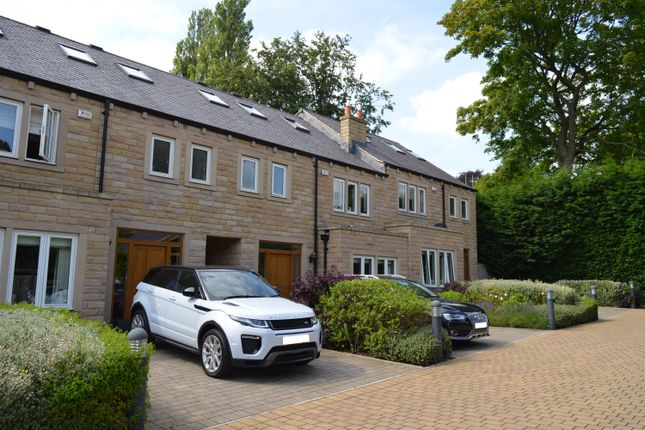 Thumbnail Town house to rent in Park Avenue, Roundhay, Leeds